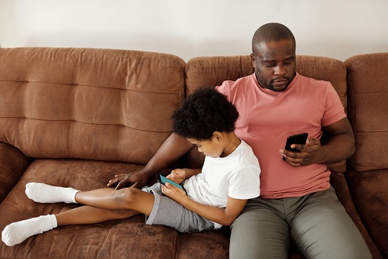 Types of parents in dealing with their children (1)