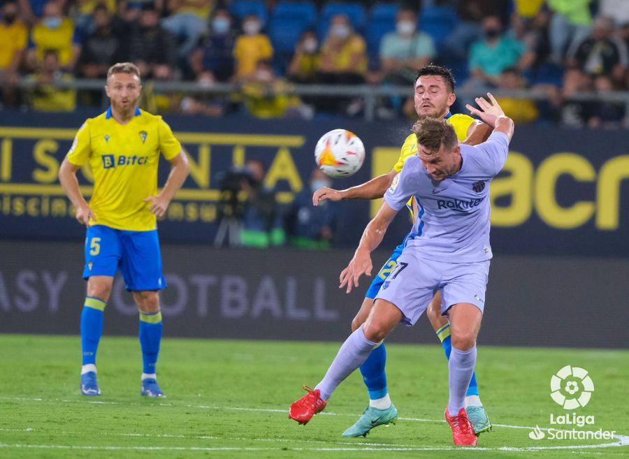 Barcelona and Cadiz match (3)
