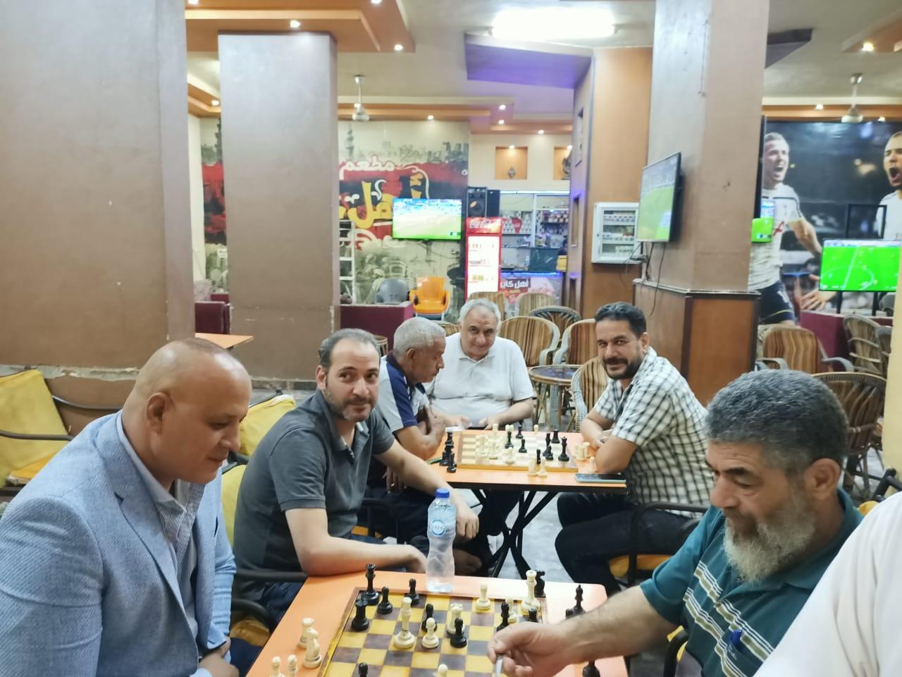 جانب من بطولة شطرنج المقاهى الشعبية
