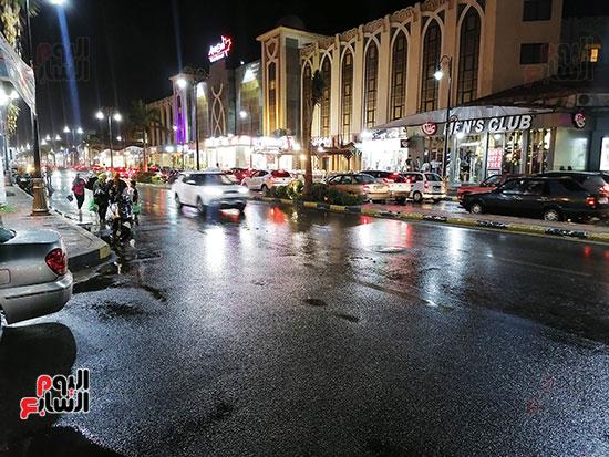جانب من آثار سقوط الأمطار
