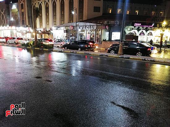 آثار سقوط الأمطار بشوارع بورسعيد