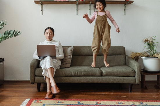 Mistakes we make while working from home (1)