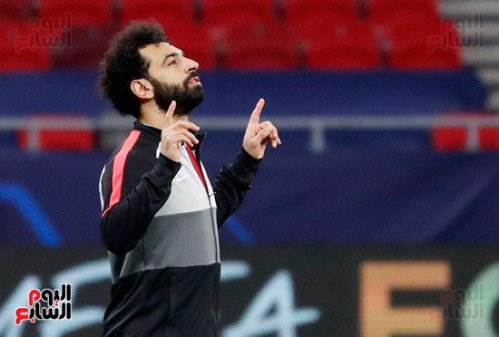محمد صلاح احتفالية 100 هدف مع ليفر بول (18)