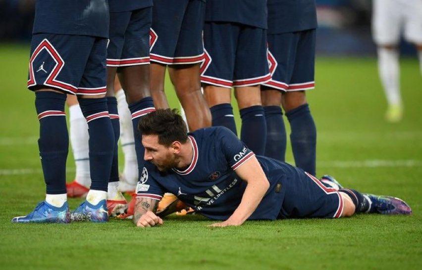 Lionel Messi defends Paris Saint-Germain