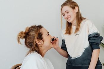 college makeup