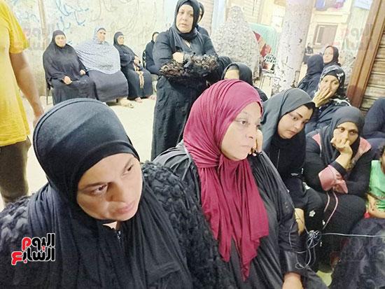 والدة كريم شهيد لقمة العيش (2)