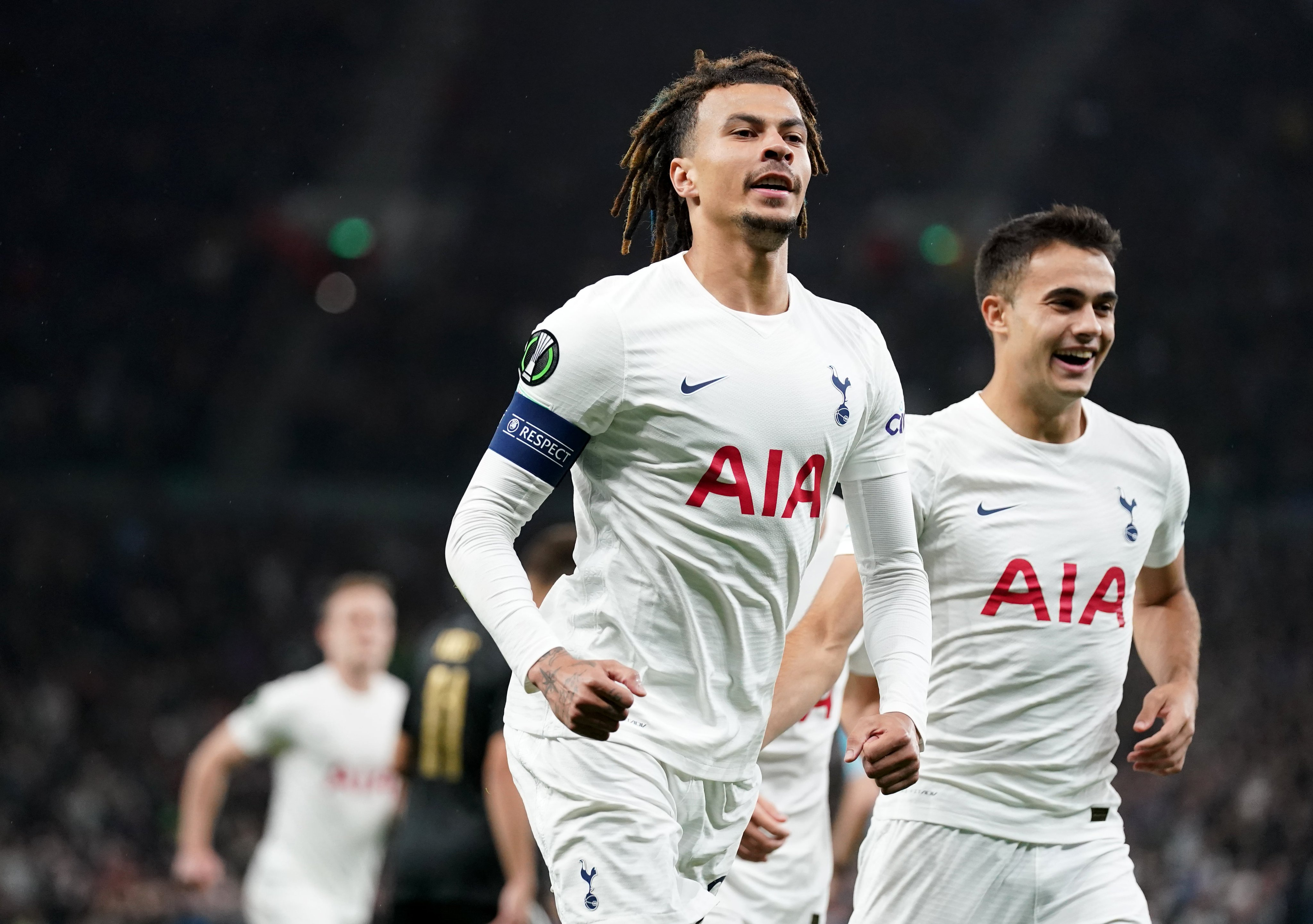 Tottenham vs Moura (2)