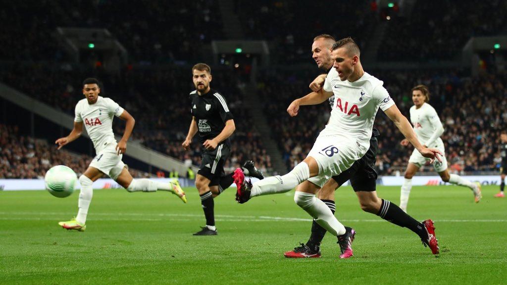 Tottenham vs Moura (3)