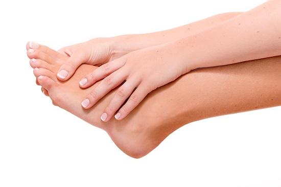 Gooseberry skin treatment on the legs