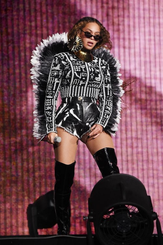 Beyonce's best looks on stage (2)