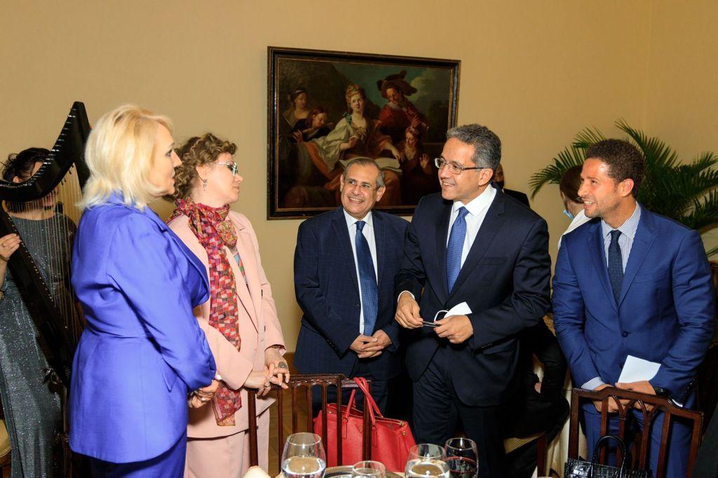 خالد العناني وزير السياحة خلال لقائه مع ممثلي كبرى شركات السياحة الروسية