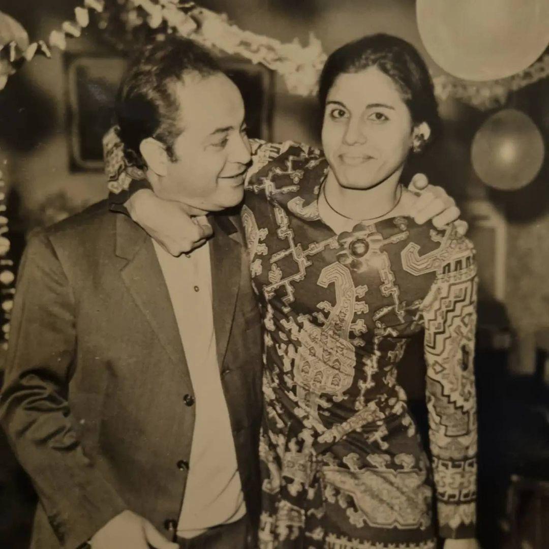 المخرج الراحل عادل صادق مع زوجته أسمهان