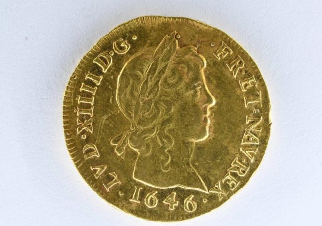 عملة ذهبية نادرة