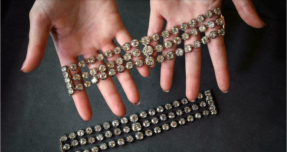Marie Antoinette jewelry sale