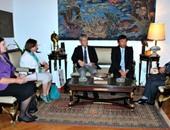 جانب من لقاء جابر عصفور وزير الثقافة وسفير اليابان