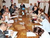 وزير الثقافة خلال اجتماعه بأعضاء المركز القومى للسينما