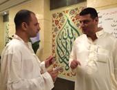 أيمن عبد الموجود المدير التنفيذى للمؤسسة القومية لتيسير أعمال الحج والعمرة مع محرر اليوم السابع