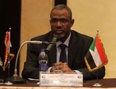 معتز موسي وزير الموارد المائيه والري والكهرباء السوداني