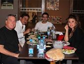 لجنة التحكيم أثناء تناول الطعام
