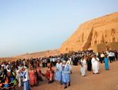السياح والمصريون فى معبد أبو سمبل