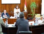 جانب من اجتماع وزير التخطيط بمجموعة العمل التى تقوم بالإشراف على إعداد خطة تطوير السينما