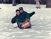 أرنولد شوارزينجر يتزلج مع جورج بوش