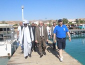 المحافظ أثناء استقبل وزير الشباب والرياضة السودانى