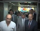 وزيرى الداخلية والشباب خلال زيارة المصابين