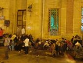 عدد من الصوفية فى انتظار الشيخ ياسين التهامى
