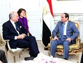 جانب من لقاء الرئيس مع وزير خارجية فرنسا