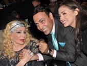 الإعلامى محمد الغيطى وابنته ميار مع الشحرورة