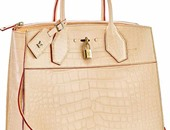 55 ألف دولار هو سعر شنطة Louis Vuitton