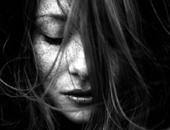صورة أرشيفية ـ فتاة حزينة