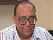 الخبير الاقتصادى الدكتور مصطفى النشرتى
