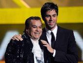 انريكي اجلاسيس و أيقونة الموسيقى اللاتينية Juan Gabriel