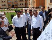 وزير الاسكان يتفقد مشروع الاسكان الاجتماعى بمدينه بدر