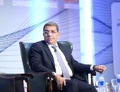 د. عمرو الجارحى وزير المالية