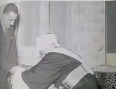الإمام أحمد يصافح جمال عبد الناصر