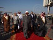 شيخ الأزهر خلال وصوله إلى البحرين
