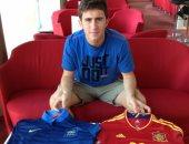 لابورتى لاعب أتلتيك بلباو مع قميص منتخبى إسبانيا وفرنسا