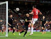 ابراهيموفيتش لحظة تسجيله هدف يونايتد الوحيد