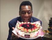 الأسطورة بيليه يحتفل بعيد ميلاده الـ 76