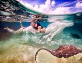 العروسين تحت الماء