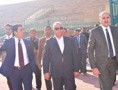 اللواء خالد سعيد محافظ الشرقية فى إحدى جولاته - أرشيفية