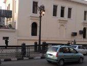 أعمدة شارع رمسيس مضاءة نهارا