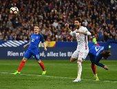 جانب من مباراة فرنسا وإسبانيا
