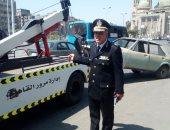 مدير مرور القاهرة يتابع عمليات رفع السيارات