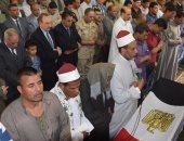 محافظ بني سويف ومدير الأمن يتقدمون مشيعى الجنازة