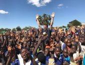 ماتس هوميلز مع أطفال مالاوى