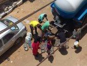 سيارات تابعة لمرفق المياه فى شارع البهنساوى بالهرم